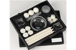LightRomance Kerzenset Schwarz inkl. 4C Logo-Druck!!!:   Geschenkset mit 3 Dinnerkerzen, 4 Teelichtern, 3 Schwimmkerzen, 4 Stumpenker
